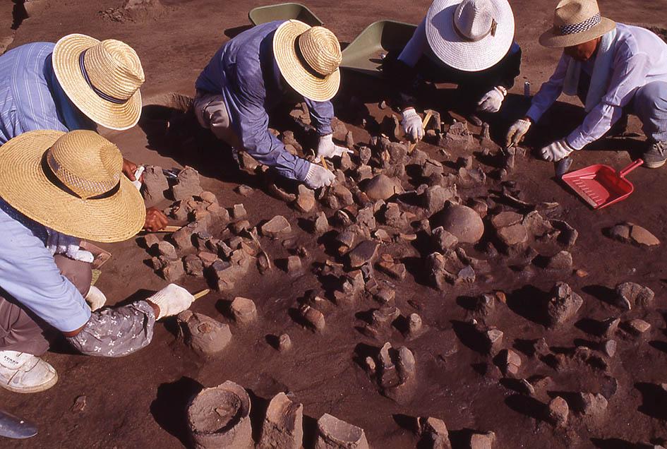 文京遺跡16次調査大量に出土する弥生土器