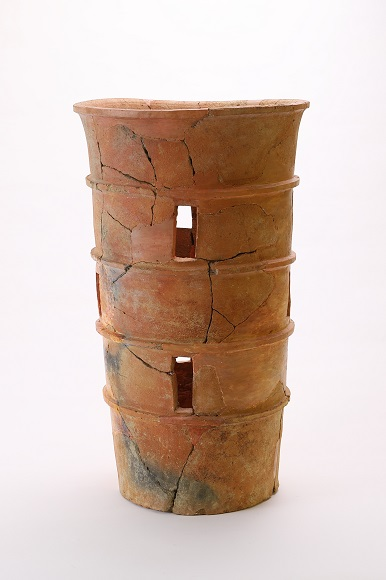 円筒埴輪(倉吉博物館 所蔵)