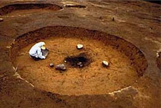 暁式土器期のたて穴住居跡群