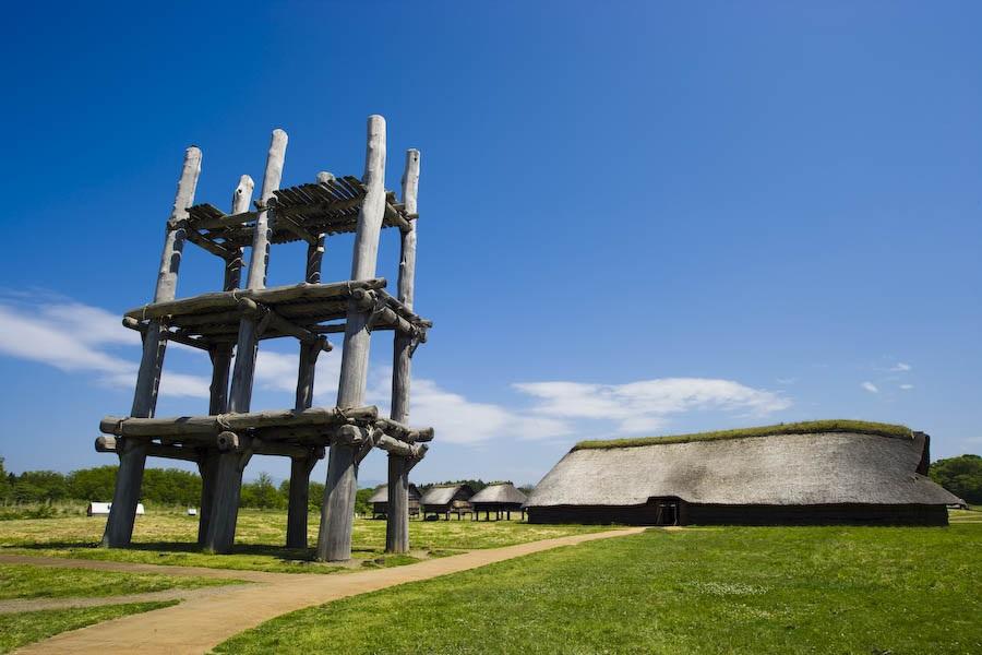 復元された大型ほったて柱建物