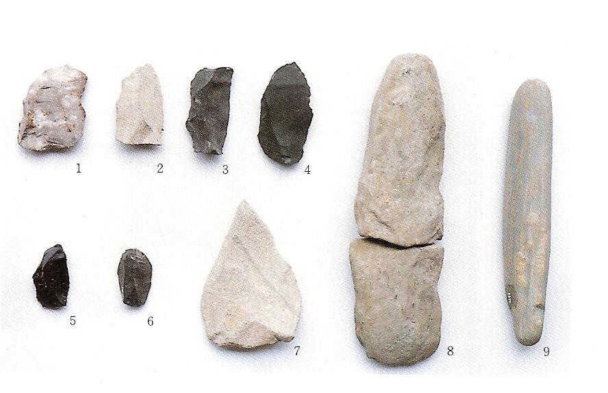 下の層(古い時期)の石器