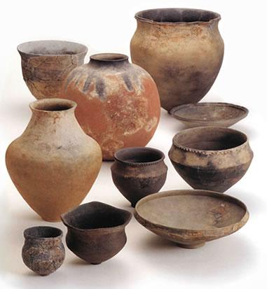 大淵遺跡出土縄文土器と彩文土器