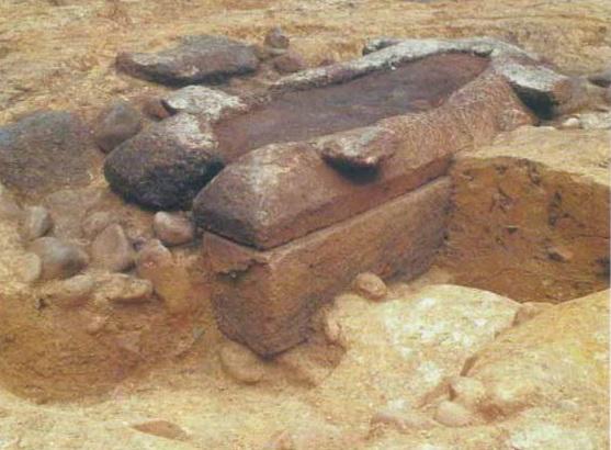発見された石の棺おけ