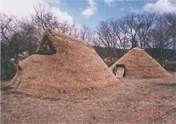 復元された縄文時代の住居