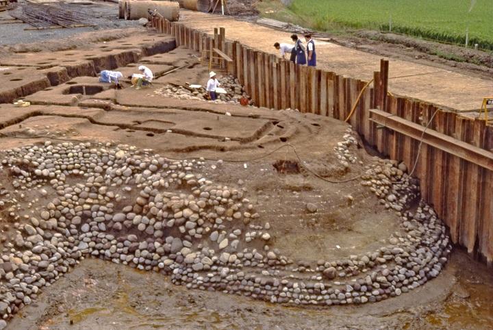遺跡西辺張り出し部の石積み