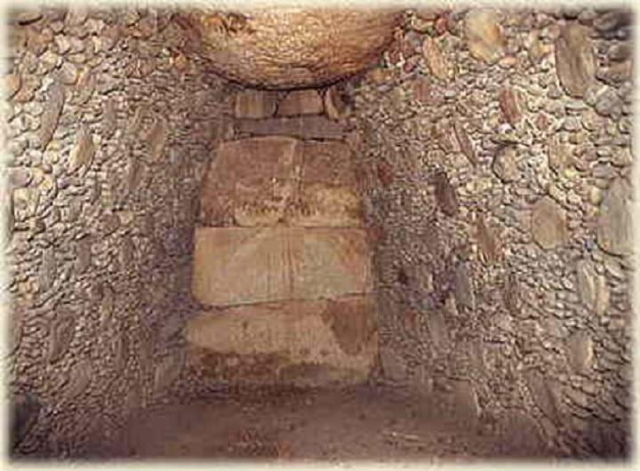 伊勢塚古墳の石室