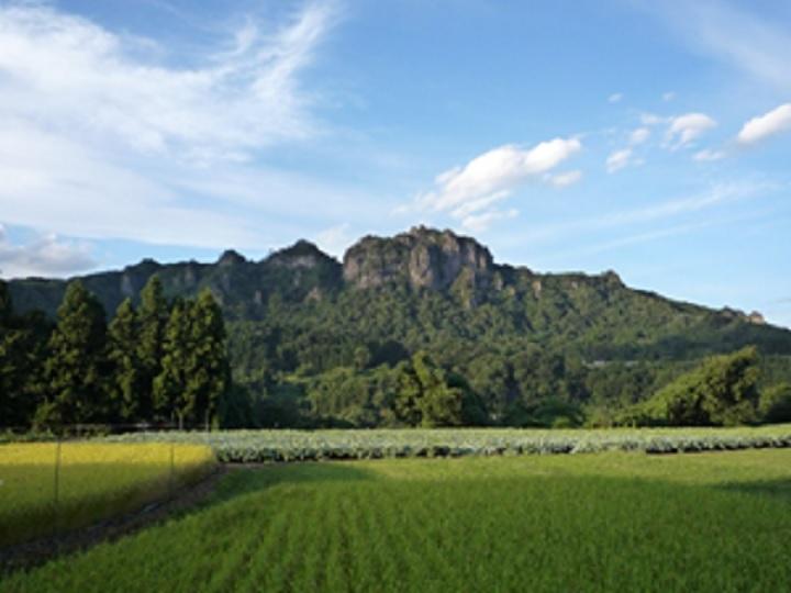 東吾妻町のシンボル 岩櫃山