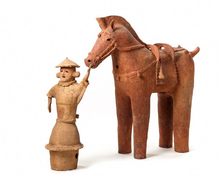 馬を引く人の埴輪