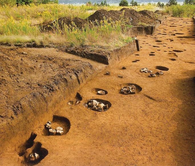 再葬墓群(北西から)