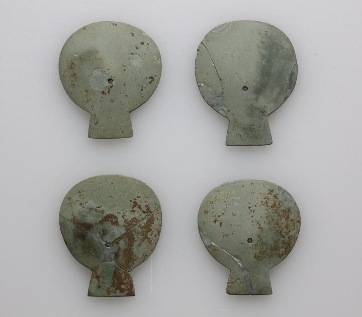 帆立貝形石製品