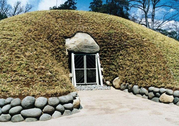 石室の入り口「羨道(せんどう)」
