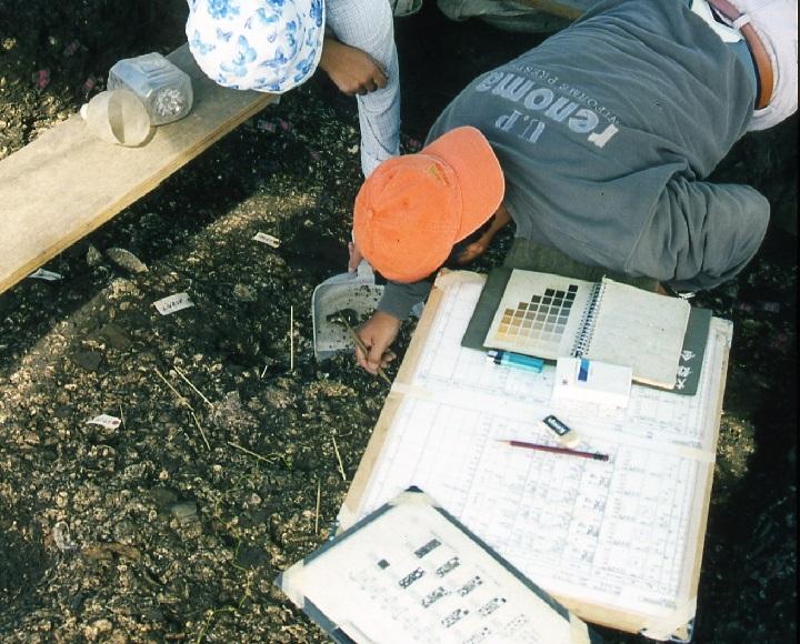 貝塚の調査風景(B地点)
