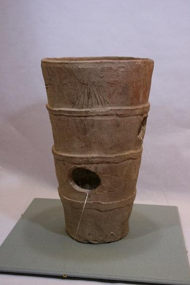 円筒埴輪(西塚古墳)
