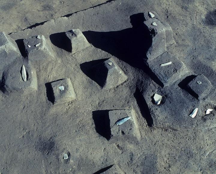 ナイフ形石器と彫器の出土状況